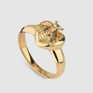 Gucci Jewelry - 18 k ring size 6 3/4